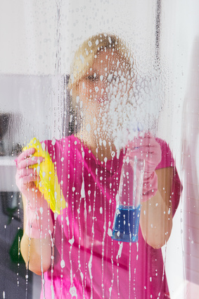 Gross Things to Throw Away – Tips for Spring Cleaning Your House