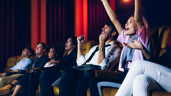 bigstock-Group-Of-Audience-Happy-And-Fu-384570062 (1)