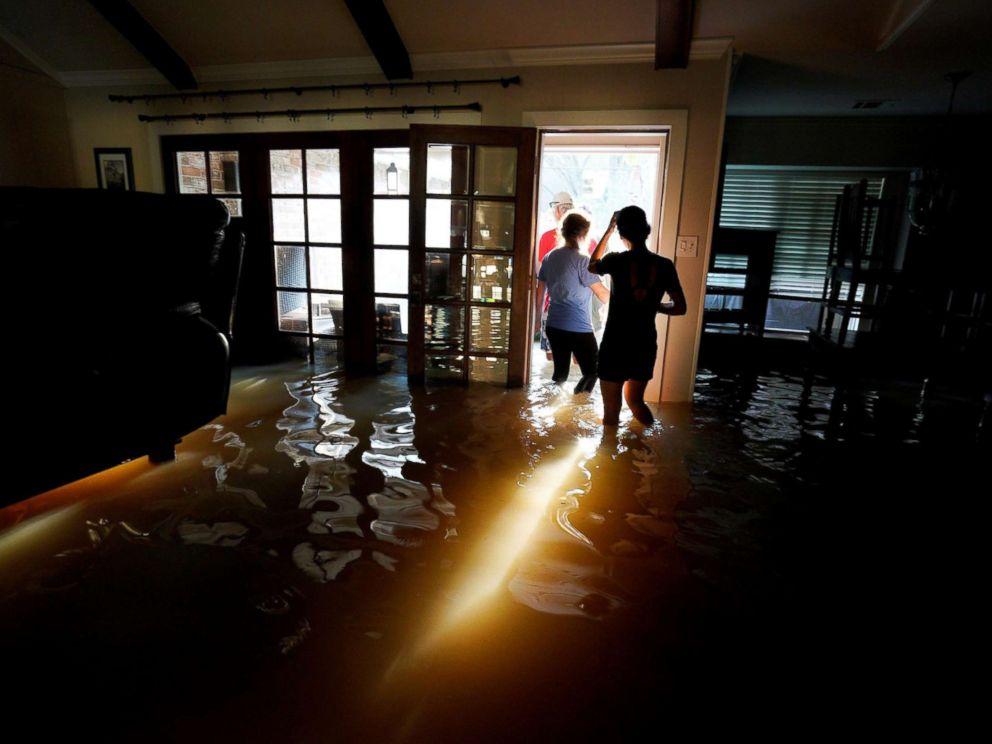 harvey-flooded-home-return-rt-ps-170901_mn_4x3_992.jpg